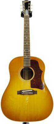 Gibson J-45 Cherry Sunburst