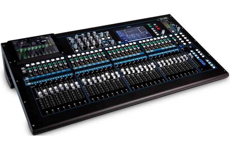 Allen & Heath QU-32 Hybrid mixer