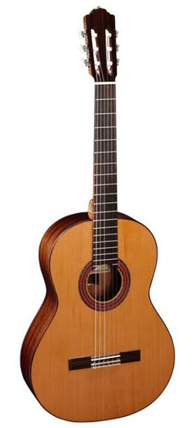 Almansa 403 Classical Solid Cedar top/mahogany back and sides, rosewood fingerboard