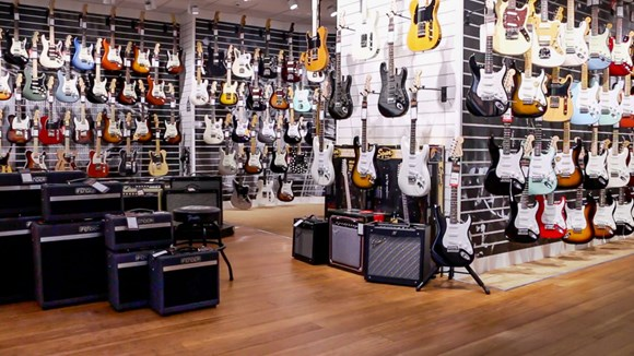 guitarguitar birmingham guitar shop. Black Bedroom Furniture Sets. Home Design Ideas