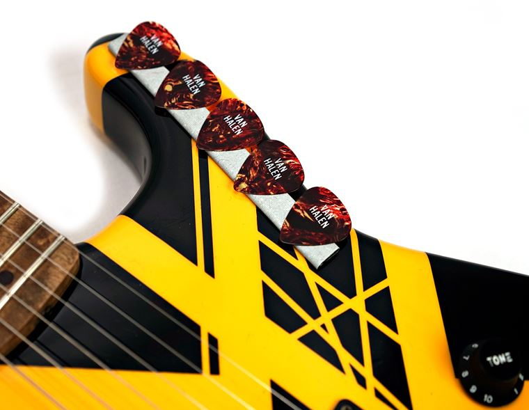 Masterpiece: EVH 1979 Bumblebee Tribute Replica