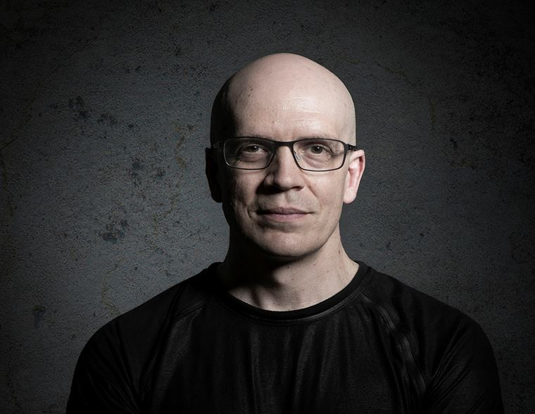 The guitarguitar Interview: Devin Townsend
