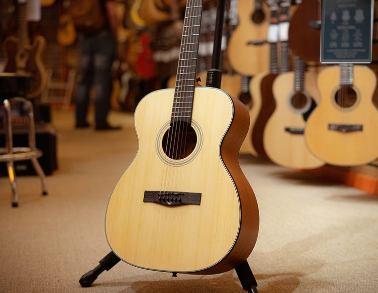 Beginners: EastCoast Acoustic guitars