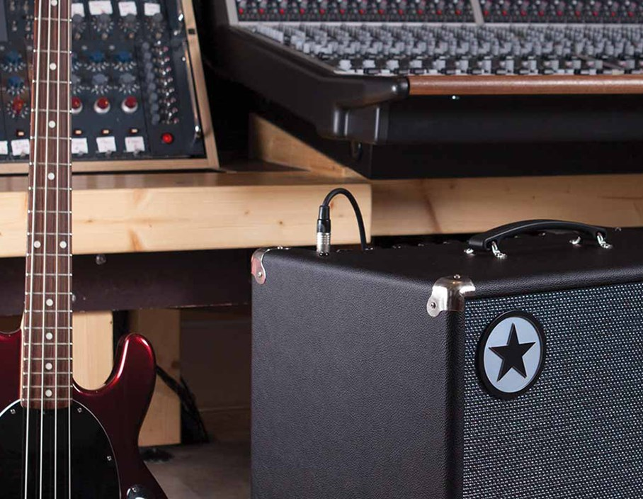 Offers: Save £100 on a Blackstar U250ACT Active Cab
