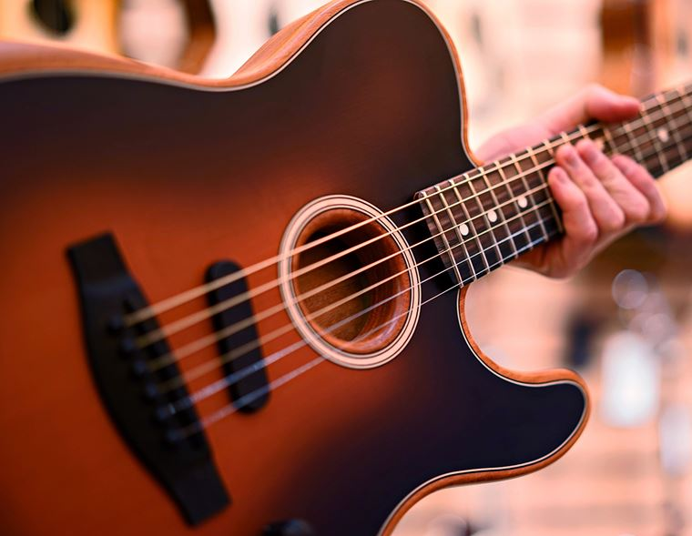 Fender Acoustasonic: the Performer's Dream
