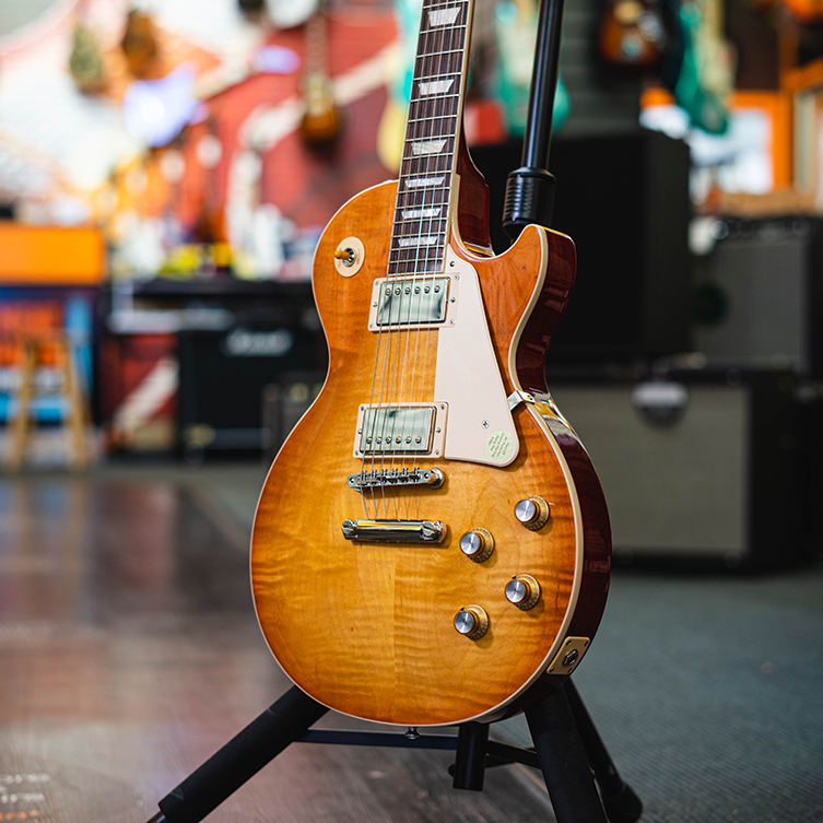 A Closer Look Gibson Les Paul Standards 50s 60s