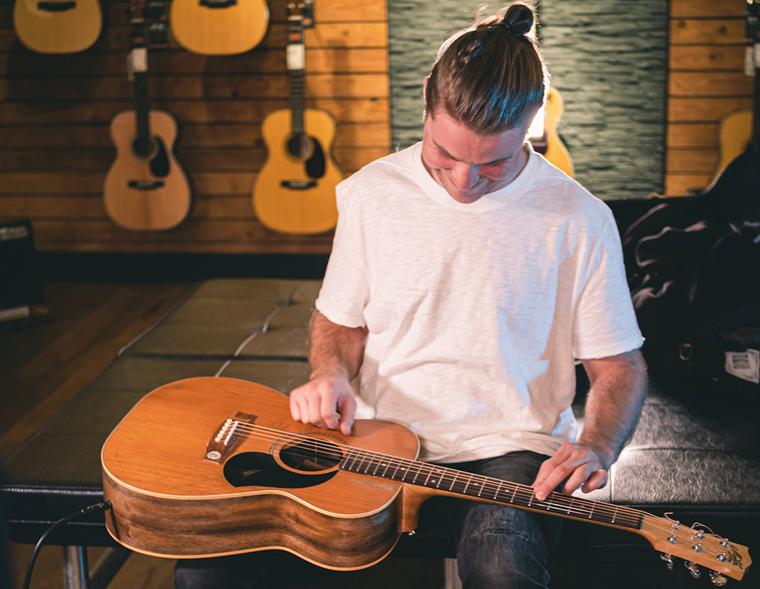 guitarguitar sessions: Simeon Baker