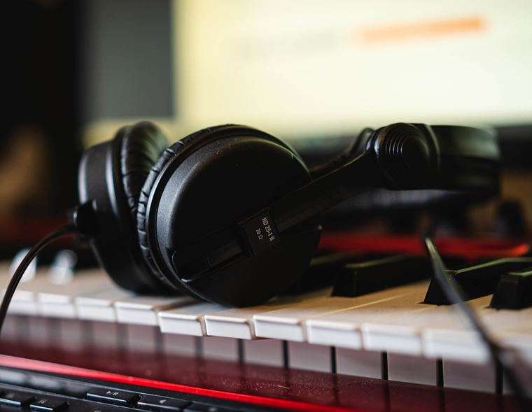 Guides: The Basics of home recording