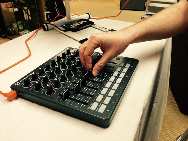 music keyboards laptops recording - photo #13