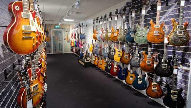 guitarguitar camden central london is now open. Black Bedroom Furniture Sets. Home Design Ideas